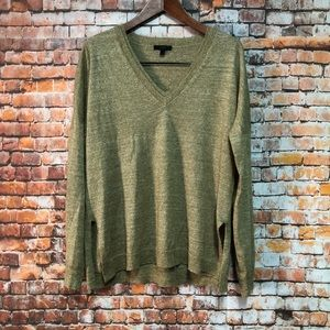 Women's Sweater Size Large  V-Neck J.CREW # H335